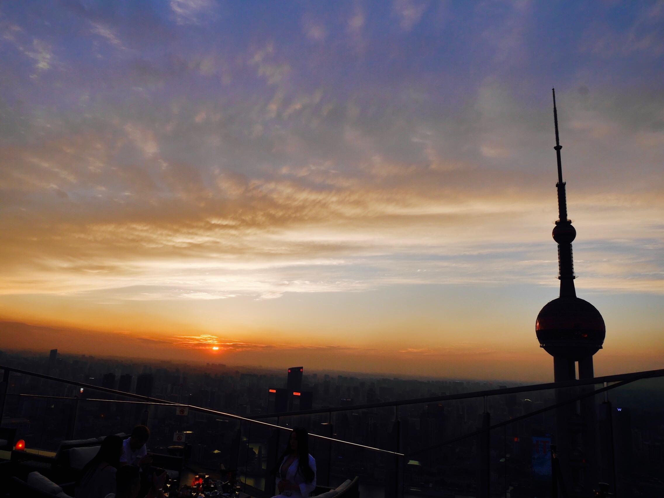 85DBB173 E0C6 441C AB24 436A6C0AE5ED - Flair Rooftop - 外灘の夜景を見下ろす上海リッツカールトンルーフトップバー
