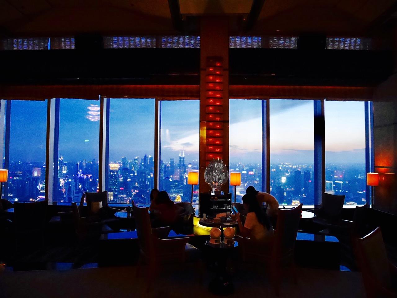 FullSizeRender 9 - Flair Rooftop - 外灘の夜景を見下ろす上海リッツカールトンルーフトップバー