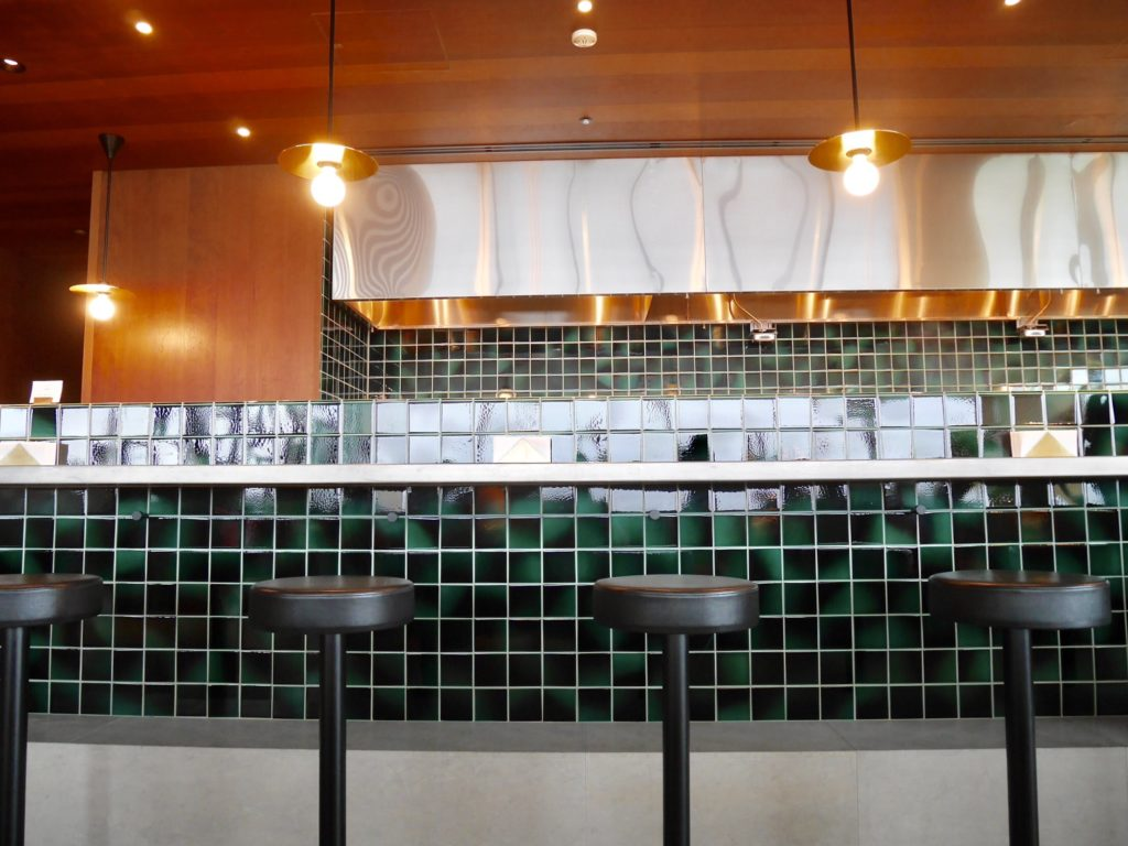 img 6208 1024x768 - CATHAY PACIFIC LOUNGE The Noodle Bar - 羽田空港のキャセイパシフィックラウンジ