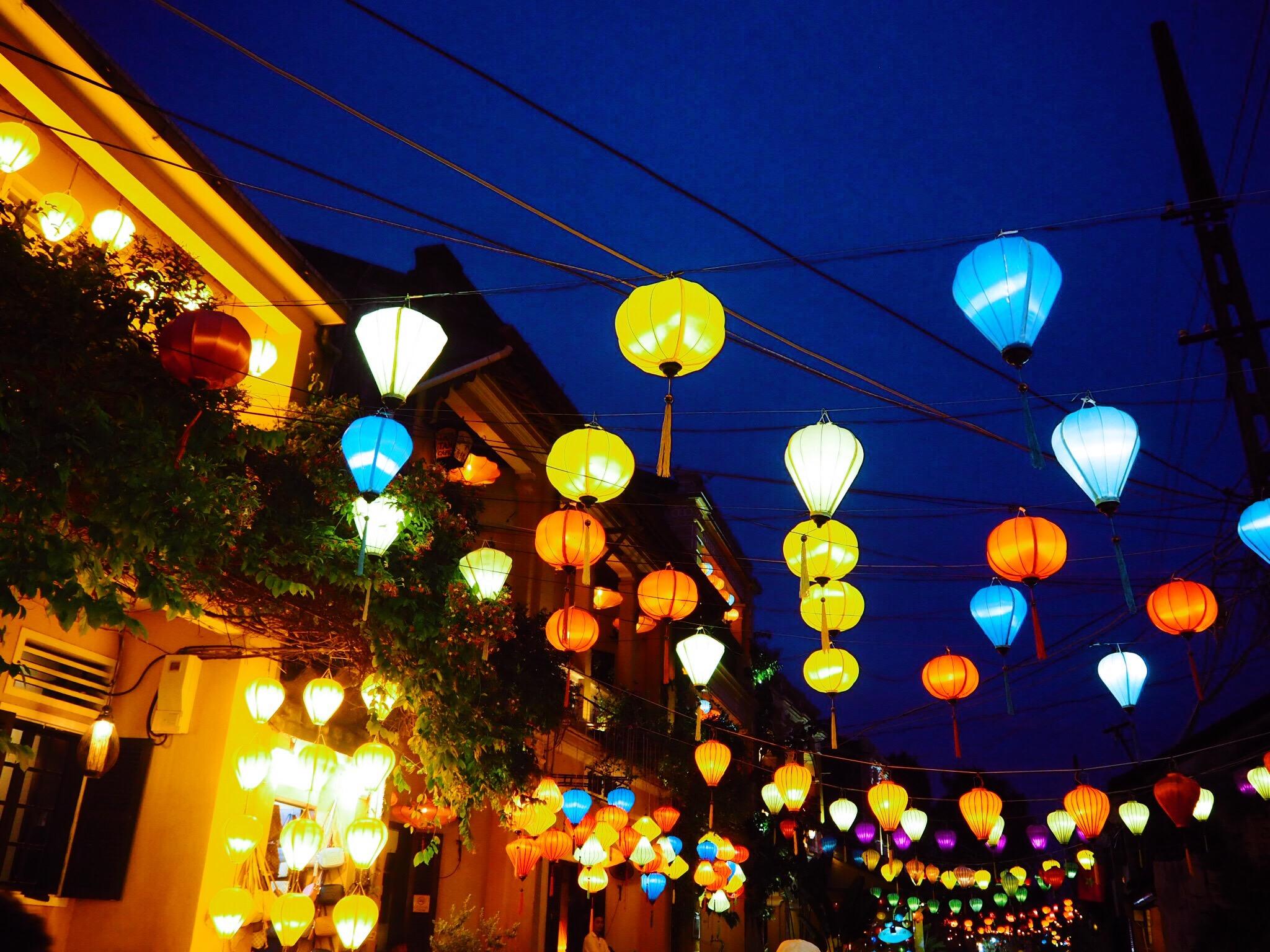 ad6055be e2d1 4d64 a670 5c069a0dfc72 - Hoi An - 夕焼けとランタンの灯。ふと恋に落ちたノスタルジックな街ホイアン