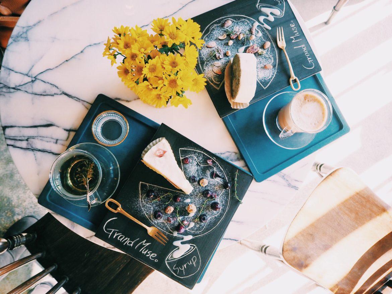 7000787c c25b 4fe2 b769 bd6b5da485fd 1170x878 - GRAND MUSE - まるで隠れ家一軒家。韓国ソウルにオープンしたケーキプレートがおしゃれなカフェ
